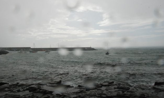 As the tail end of Storm Emma approaches classes are suspended on Gran Canaria and the western isles
