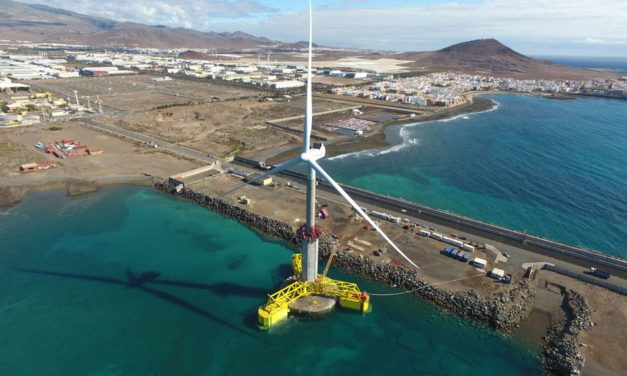 World´s first self-erecting marine wind turbine arrives in Jínamar, in view of the capital Las Palmas de Gran Canaria