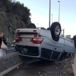 Car overturns on GC500 between Patalavaca and Arguineguín
