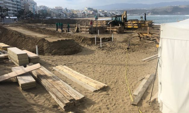 Las Palmas Sand Art Nativity begins to take shape -Belén de Arena de Las Canteras –