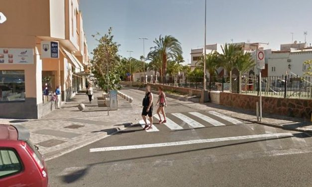 Newsbrief: A man in critical condition after falling from a ladder in San Fernando de Maspalomas