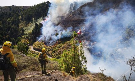 Ongoing Gran Canaria fire now bigger than last week and continues to advance