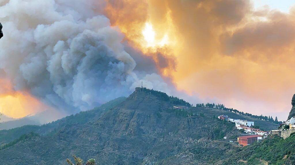 Gran Canaria Fires: Canary Islands Government praise firefighters and resolve to beat the fire
