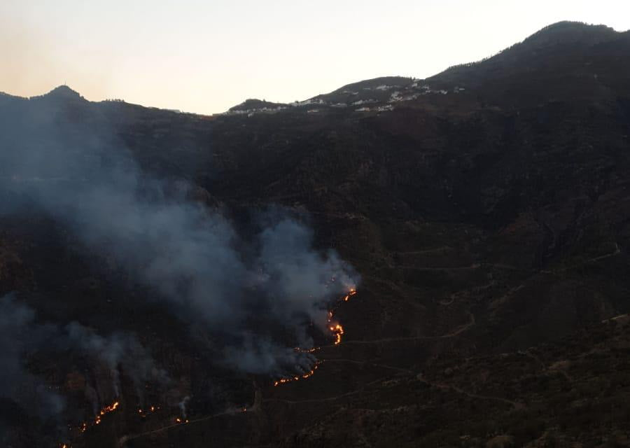 Gran Canaria Fires: Fire slows as winds die down and conditions favour our forest firefighters