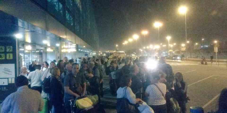 230 flights and more than 20,000 passengers affected in the Canary Islands