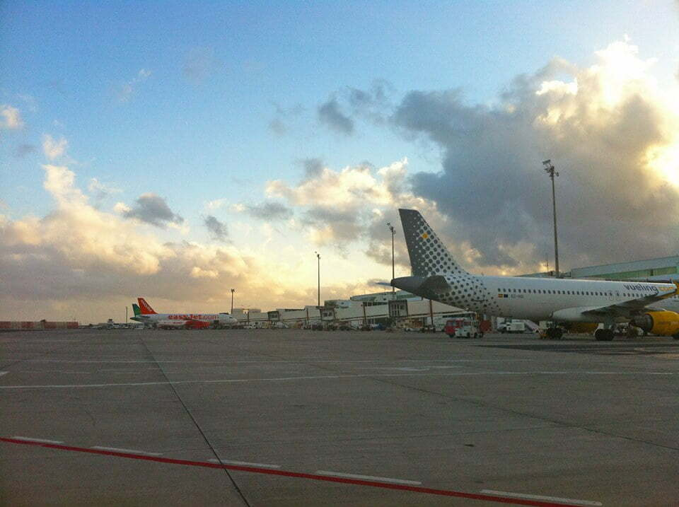Air connections between Canary islands and mainland Spain see 97% reduced demand