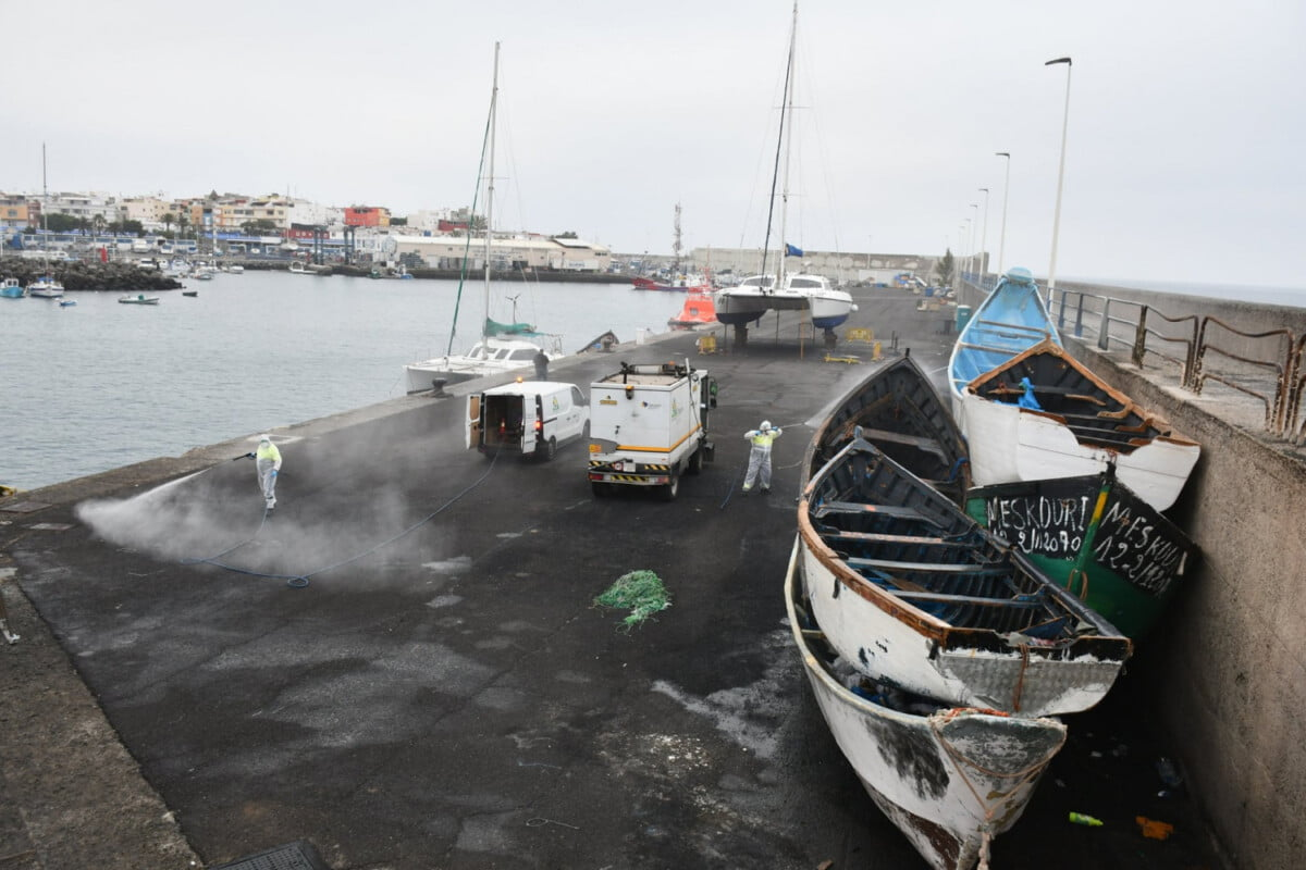 Arguineguín pier disinfected following small number of migrants testing positive for corona virus