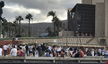 Anti-mask protesters numbered less than active COVID-19 infections in Las Palmas