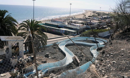The old beachfront water slide park in Playa del Inglés planned for renewal as a viewpoint and gardens