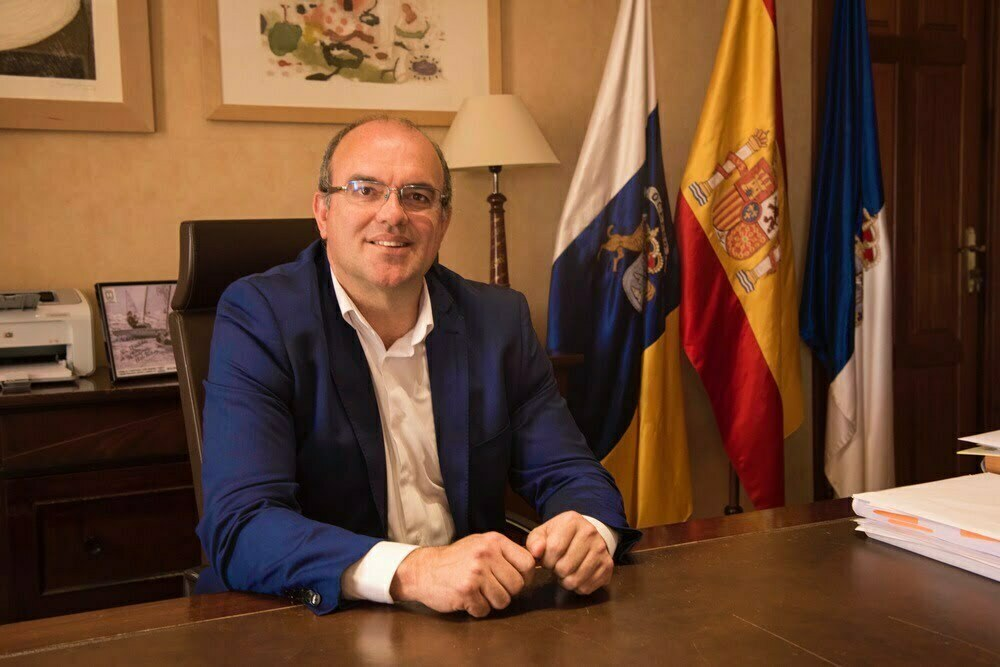Spain's Government Delegate is committed to processing irregular migrants legally and correctly