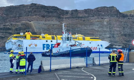 All crew and passengers safe after night aboard ferry that ran aground in the Gran Canaria port of Agaete