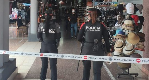 Suspected counterfeit merchandise worth €2.5 million seized from Yumbo shopping centre in Playa del Inglés