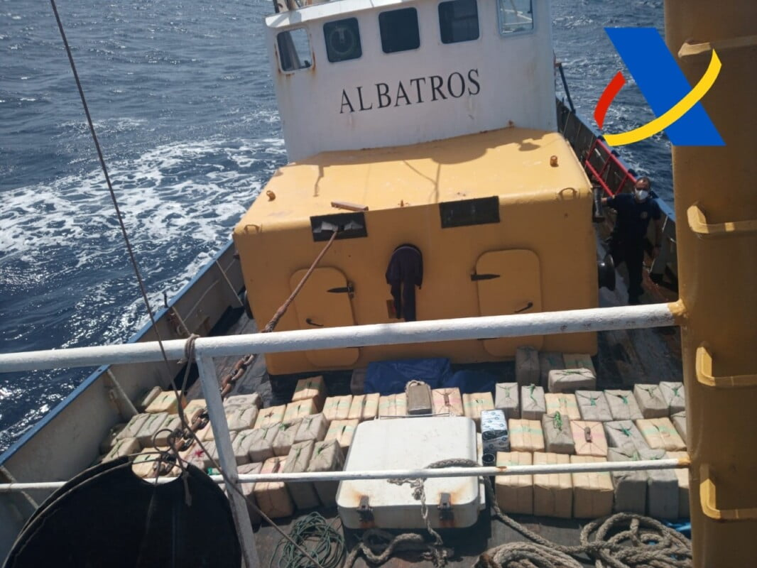 "Operation 'Avio' Spanish Tax Agency ""Aduanas"" intercept fishing boat carrying 18,000 kilos of hashish south of the Canary Islands"