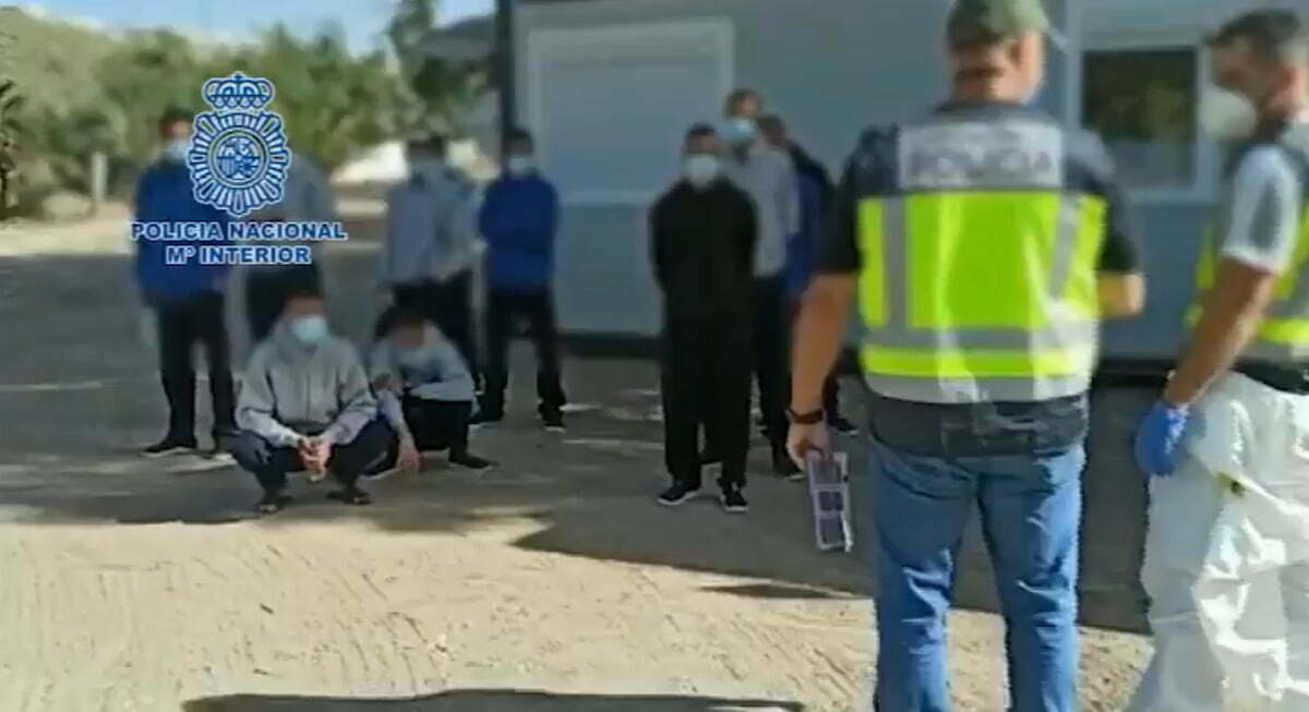 Fourteen men arrested by National Police including the skippers of seven boats that recently arrived on the coasts of Gran Canaria and Lanzarote