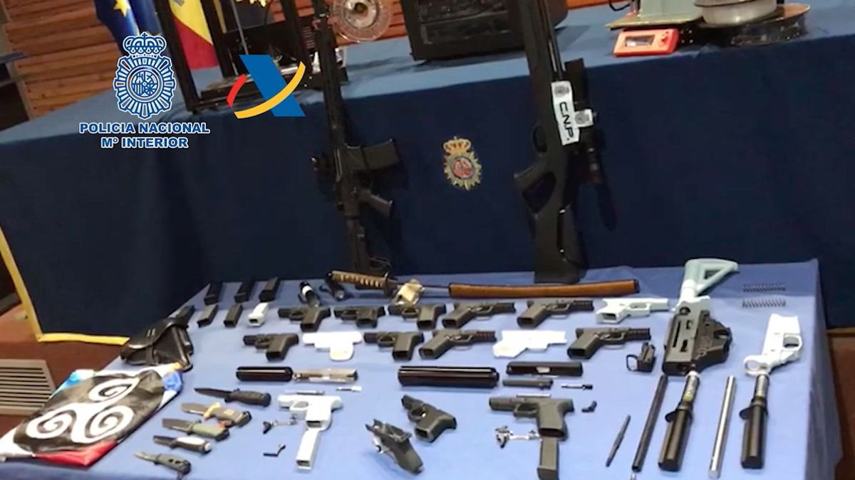 Secret Investigation: The Most Serious Threat To Security – Spain's first 3D printed weapons workshop, dismantled on Tenerife, man arrested with explosives and white supremacist iconography