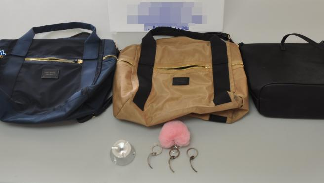 Four women detained for working as a gang to steal alcohol worth €1200 from supermarkets on Gran Canaria