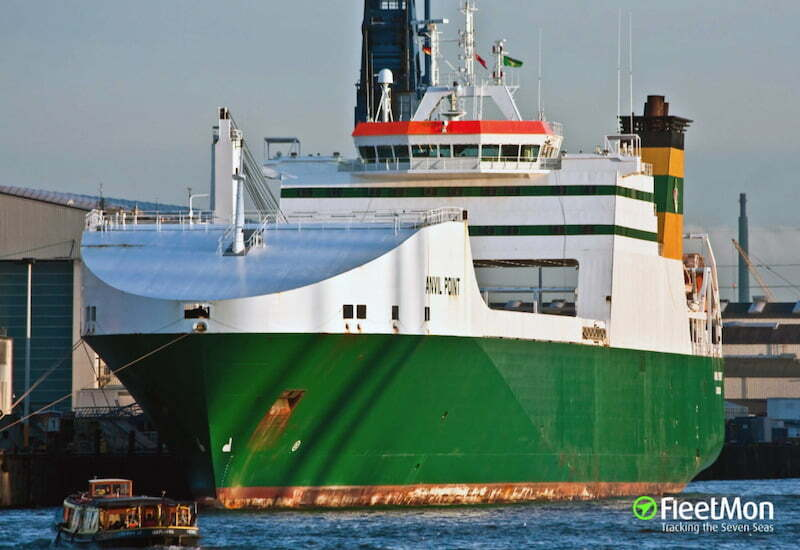 British cargo ship rescues 25 migrants from the Atlantic, 426 km south of Gran Canaria