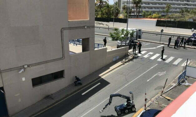 Exclusive images seconds before and after little explosions at Policia Nacional de Maspalomas