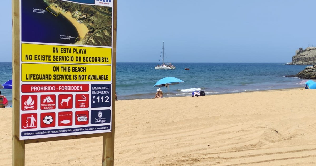 Mogán puts signs on Tauro Beach to officially re-open but without lifeguards or other services