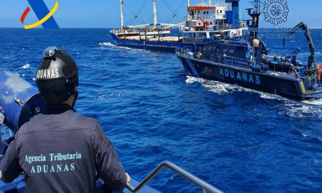 A ship loaded with 20 tons of hashish intercepted on the high seas in Canary Islands waters
