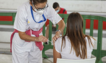 More than 65% of target population now vaccinated in Canary Islands