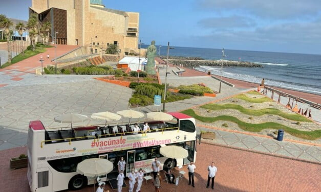 """The """"VacuGuagua"""" vaccination buses on the south of Gran Canaria all this week"""