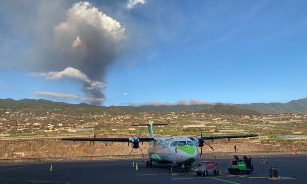 Inter-island flights to La Palma resume after stoppage due to volcanic ash