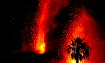 La Palma volcano now has at least 5 eruptive mouths and has intensified, with large earthquakes felt on neighbouring islands